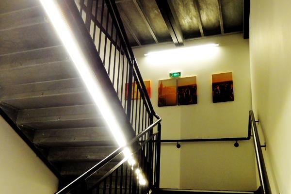 escalier3-hotel-kncA9E412EB-7E5B-3944-6A58-8D5E77C82FCB.jpg