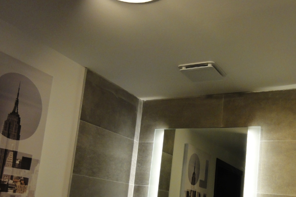 wc-hotel-kncFD152619-D8A9-A6AF-C764-87C19426A8ED.jpg