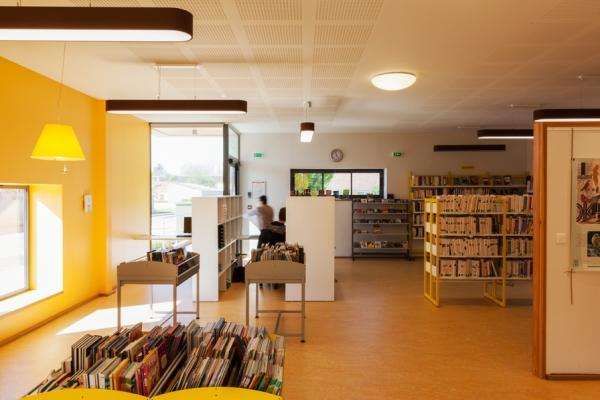 bibliotheque-447CE5AA2-FF5B-CE6E-C1FA-805E8E10C644.jpg